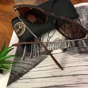 Ray-Ban Accessories - 🌼NEW Ray-ban Erika tortoise polarized
